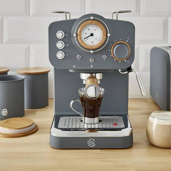 Swan Retro Pump Espresso Coffee Machine - SK22110GRN